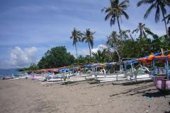 Bali_Beach_prahu