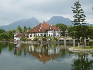 Waterpalace_Bali_02