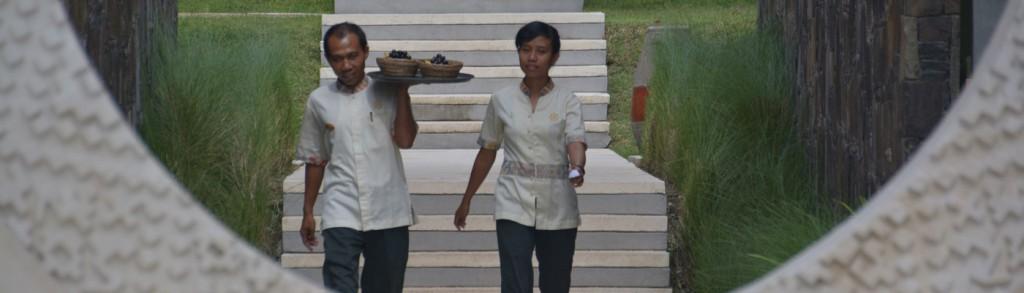 IND_lombok_F&B_hotel_staff_001_topimg_1400x400