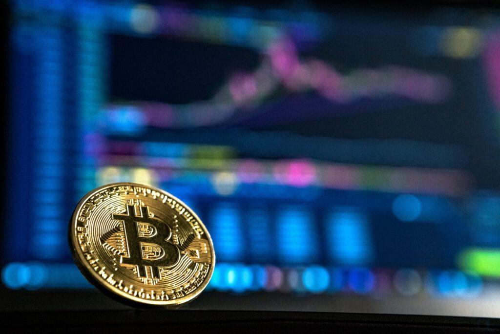 Bitcoins en een computerscherm